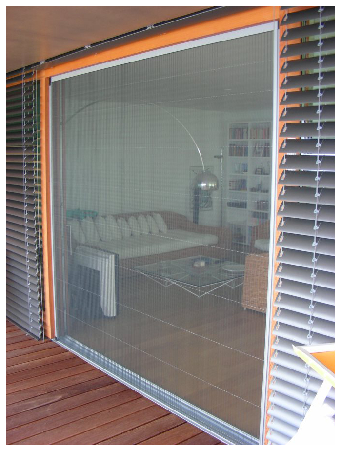 Двери гаража из москитных сеток. Гаражные двери из москитного волокна.